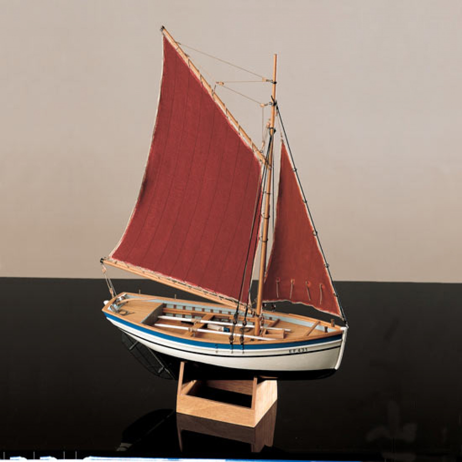 COREL SLOOP         1:25 SCALE