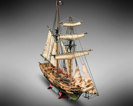 Mamoli MV82 - Blackbeard - Wood Plank-On-Frame Ship Model Kit - Length: 520 mm (21