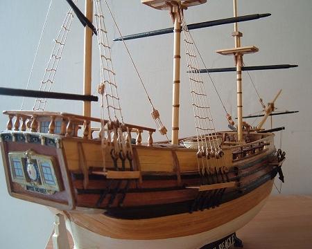 Mamoli MV20 - HMS Beagle - Wood Plank-On-Bulkhead Ship Model Kit - Scale  1/64 - Length 645 mm (26