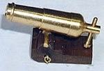 Mantua Model 30611 Brass Bombard (Carronade) on Hardwood Carriage - 30  mm length