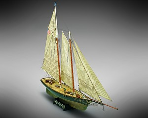 "Mamoli MV26 - Yacht America - Wood Plank-On-Bulkhead Model Ship Kit - Scale: 1/66  Length: 790 mm (31""), Height: 580mm (23"")"