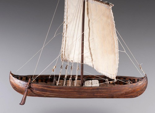 "Dusek D013 - Viking Knarr - Wood and Metal Plank-On-Frame Ship Model Kit - Length: 220 mm (9""), Height: 200 mm (8"") Scale 1/72"