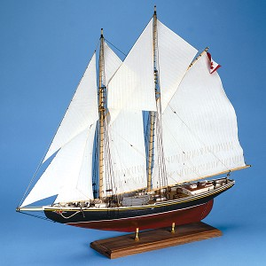 Model Shipways BLUENOSE CANADIAN SCHOONER 1:64 SCALE