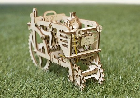 Ugears -Mechanical Puzzle Tractor - Laser Cut Wood - 97 Parts - Runs on its own!