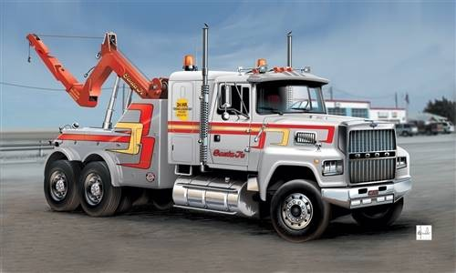 Italeri 3825s Ford LTL9000 US Wrecker 1/24 Scale